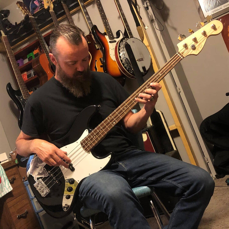 kelowna bass guitar lessons brian mclennan